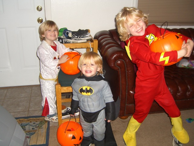 Halloween Trick-or-Treating 2009 (2)