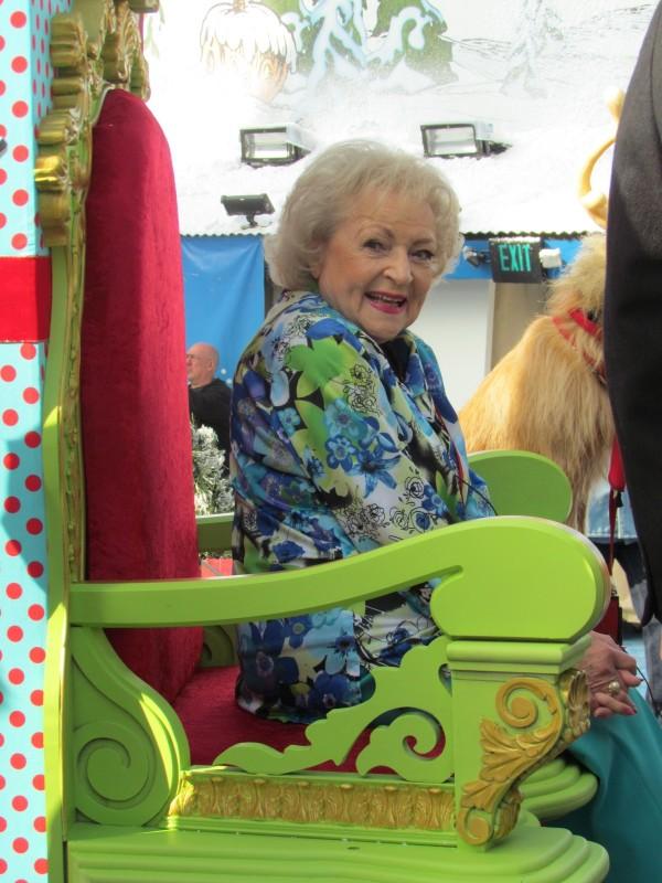 Betty White Grinchmas Universal Studios Hollywood 11