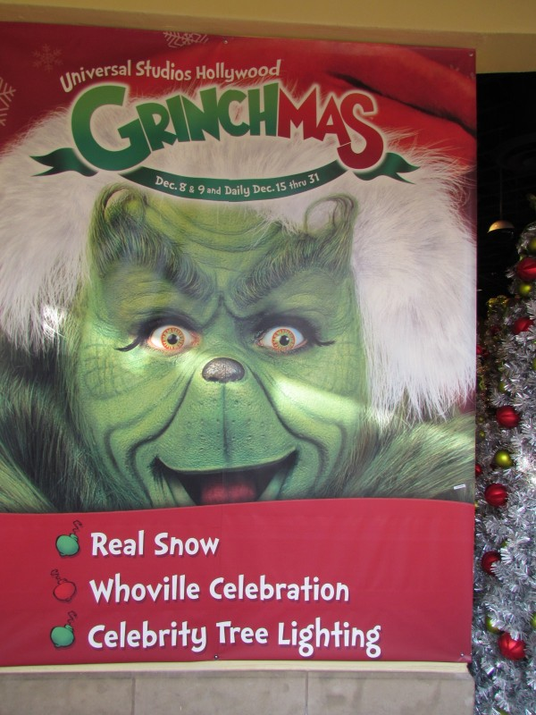 Betty White Grinchmas Universal Studios Hollywood 7