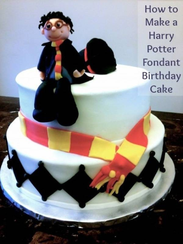 Harry-Potter-Birthday-Cake-e1376678766293.jpg