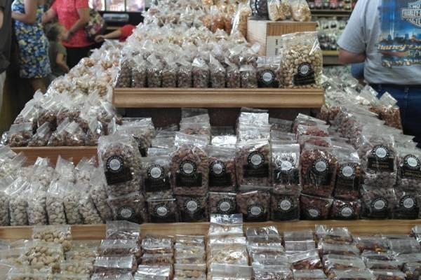 Bravo Farms Visalia Store 1
