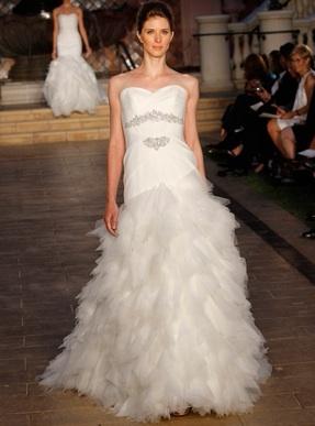 #WeddingWednesday #Wedding #BridalGowns #TeamBride #Fashion