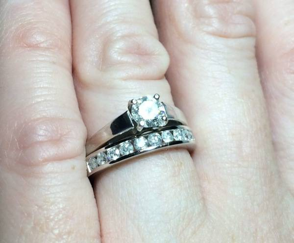 #FrankAndShannon #Wedding #WeddingJewelry #WeddingFashion