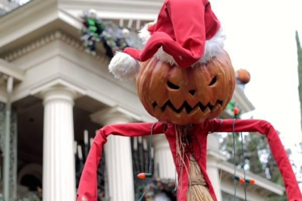 #Halloween #Disneyland #DisneySide #Disney #Travel #FrankAndShannon #ad
